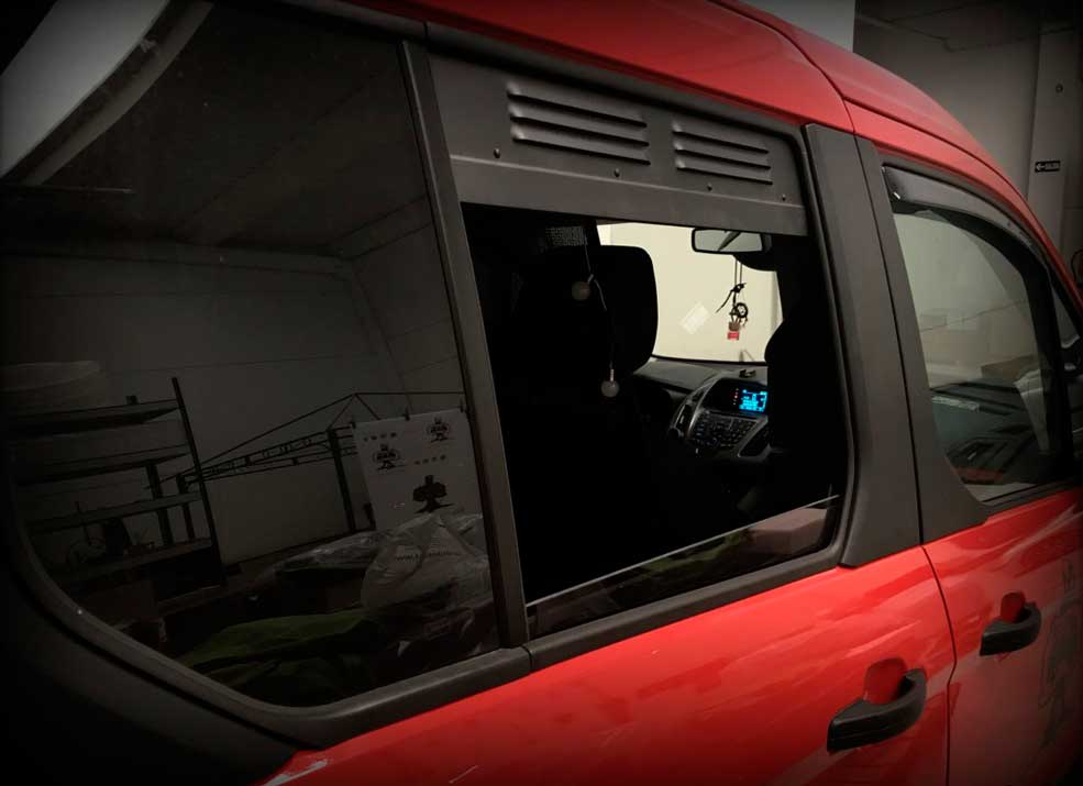 AIR-VENT-FORD-TOURNEO-1